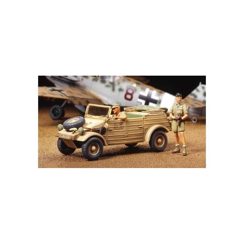 TAM-32503 1/48 KUBELWAGEN TIPO 82 AFRICA CORPS