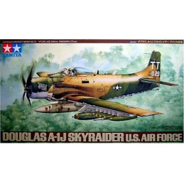 TAM-61073 TAMAMIYA 61073 1/48 DOUGLAS A-1J SKYRAIDER USAF