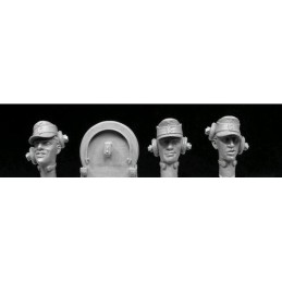 HOR-HGH25 1/35 German Army panzer crew with headphones .3   heads.