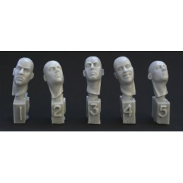 HOR-HH18 1/35 5 different heads. Necks turned right or left