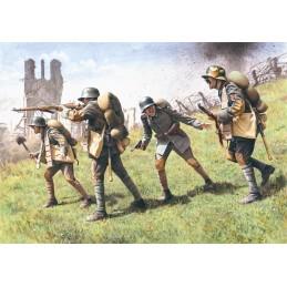 ICM-35291 ICM 35291 1/35 German Assault Troops (1917-1918) (4 figures - 1 unterofficer, 3 soldiers)