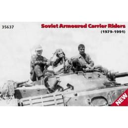 ICM-35637 1/35 ICM 35637  Soldados rusos sobre blindado (1979/91)