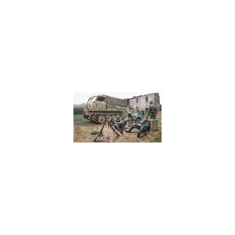 ITA-6549 ITALERI 6549 STEYR RSO/01 with GERMAN SOLDIERS
