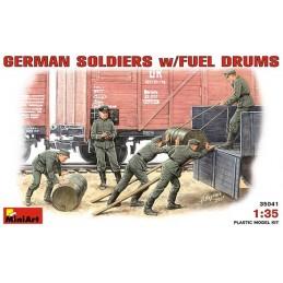 MA-35041 1/35 German Soldiers + Fuel Drums