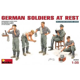 MA-35062 1/35 German Soldiers at Rest