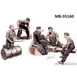 MB-35160 1/35 German Tankmen WW II era