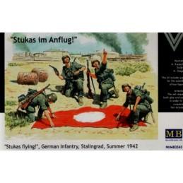 MB-3545 Master Box 3545 1/35 Stukas im Anflug