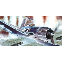 REV-04781 1/32 CAZA VOUGHT F4U-1D CORSAIR
