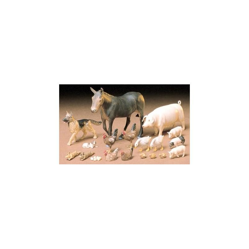 TAM-35128 TAMIYA 35128 1/35 SET DE ANIMALES DE GRANJA