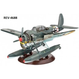 REV-4688 1/32 HIDROAVION...