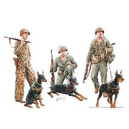 MB-35155 1/35 Dogs in the...