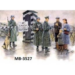 MB-3527 1/35 German...