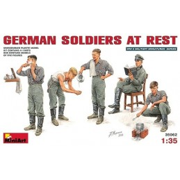 1/35 GERMAN SOLDIERS AT R
