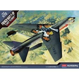 ACADEMY 12559 1/72 F-8P C